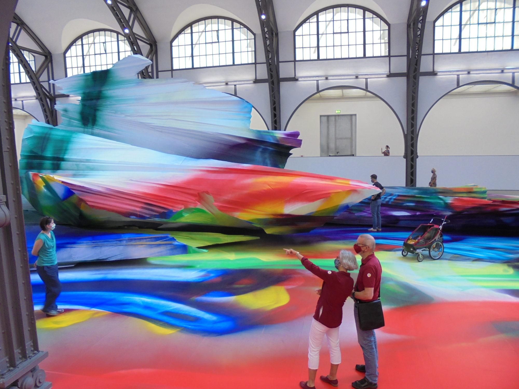 Grenzenlose Malerei von Katharina Grosse im Hamburger Bahnhof Nationalgalerie Berlin