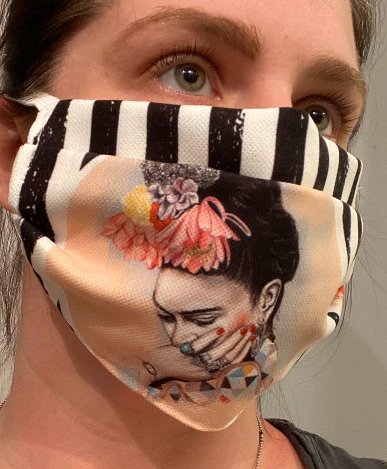 Die Hl.Frida schützt auch vor Corona: Maskenvertrieb auf etsy. Frida Kahlo Maske 2020