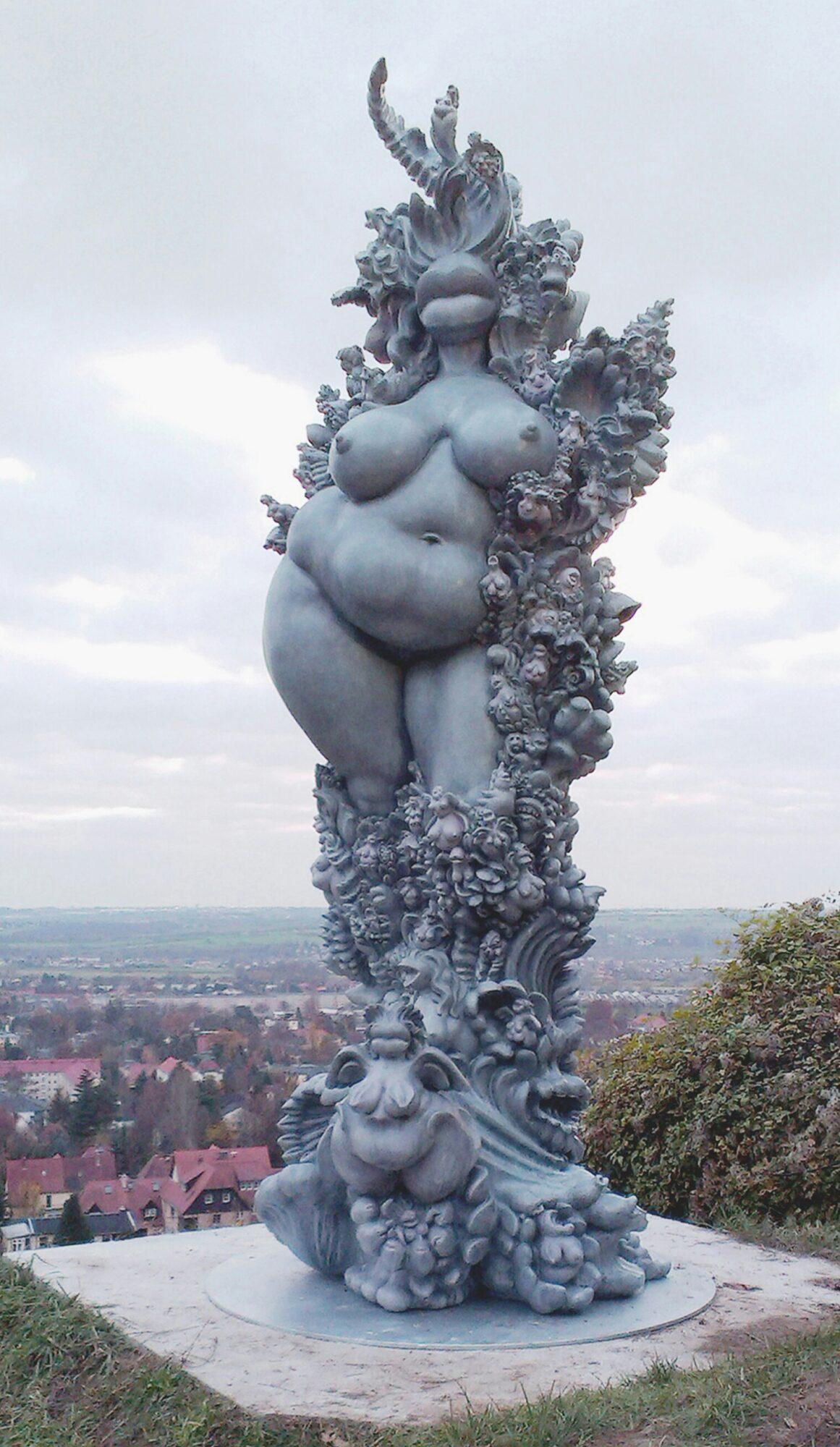 Miriam Lenk: Janusfee 2015 Epoxidharz, Sammlung Dr Rainer Beck, Weingut Dreiherren