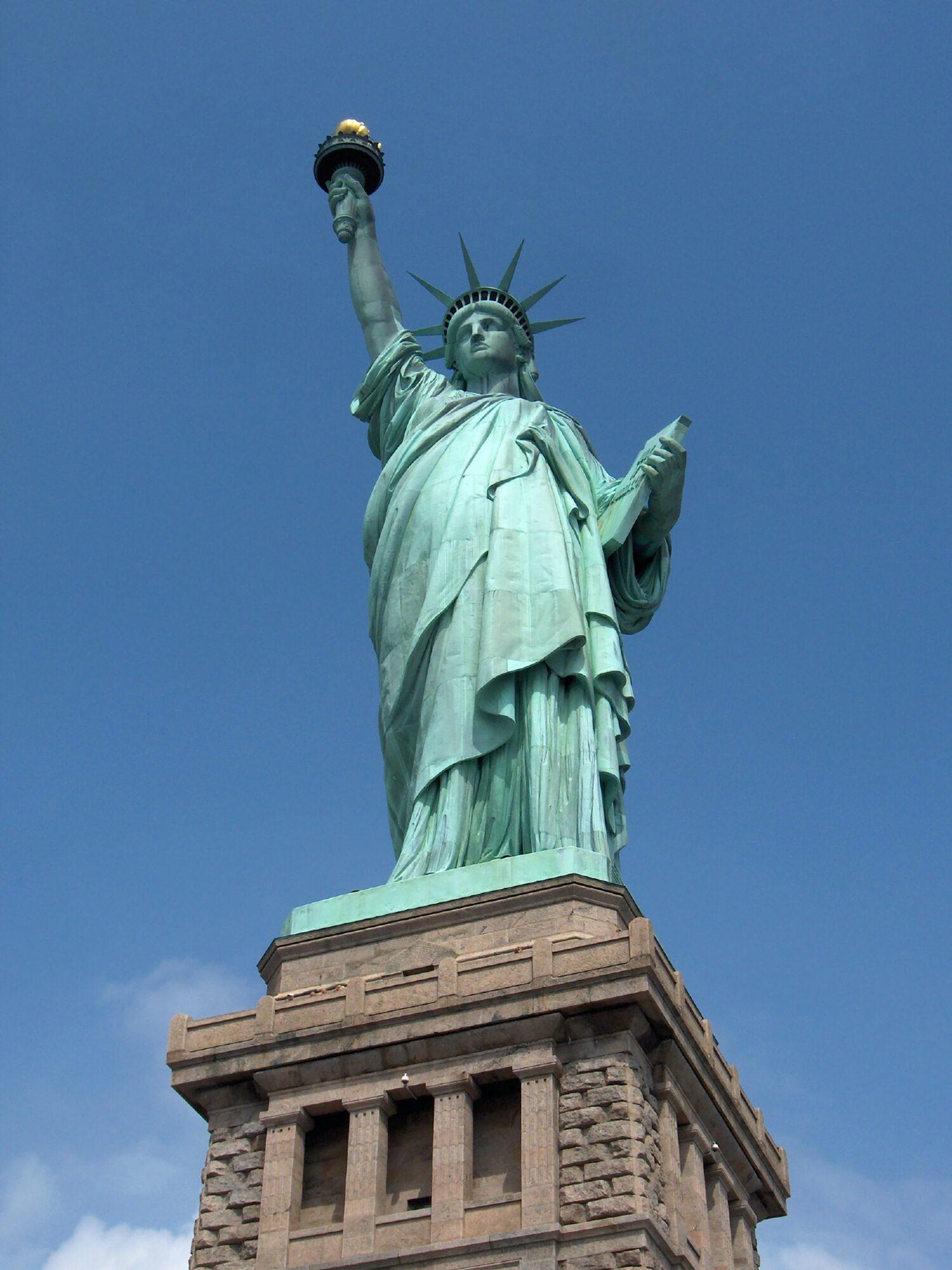 Die Freiheitsstatue - Beispiel für allegorische monumentale Frauenfiguren.