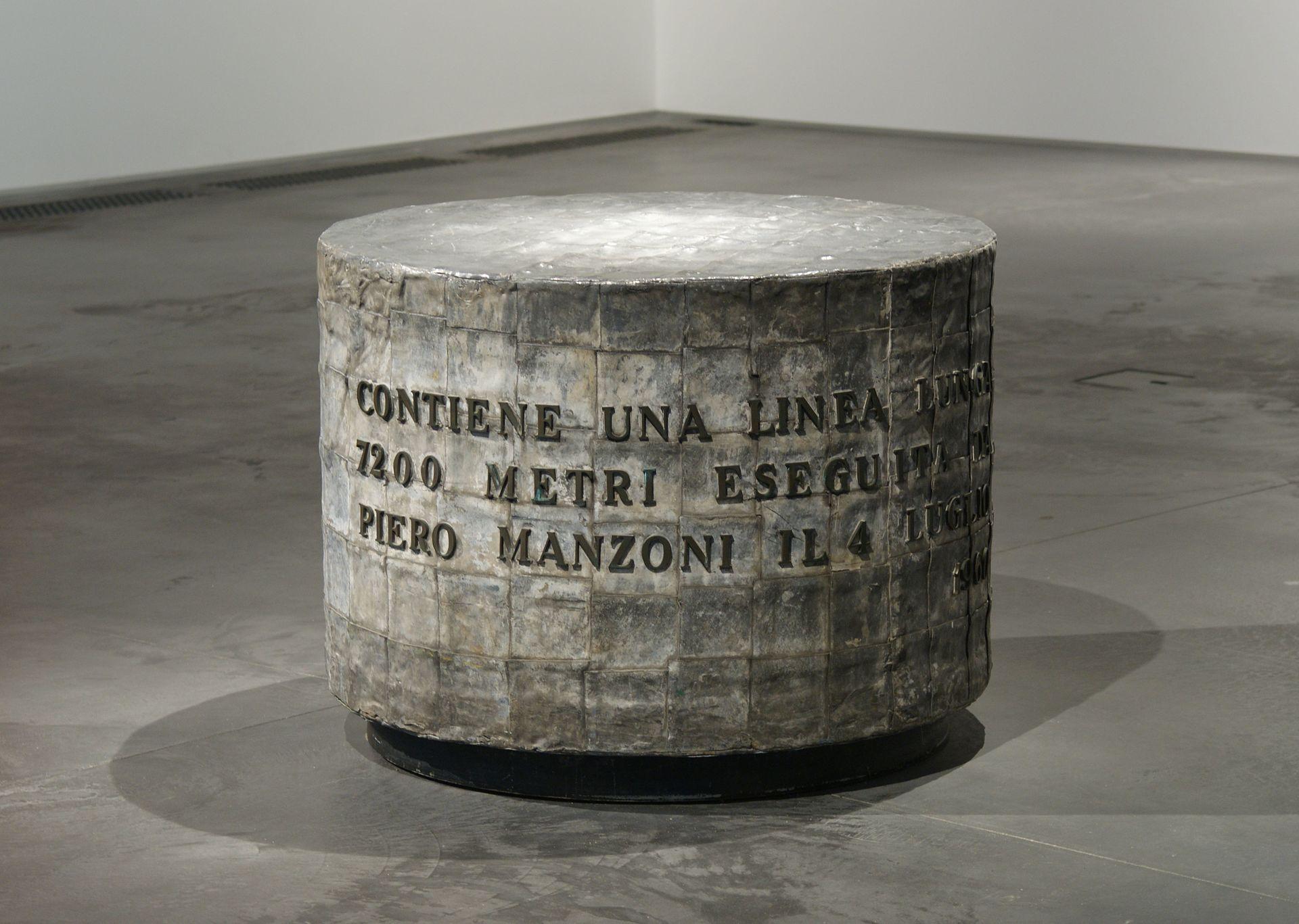 Piero Manzoni - Die Lange Linie (7.200 Meter)
